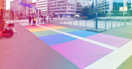Rainbow City: de Gewestelijke Overheidsdienst Brussel draagt de kleuren van de diversiteit hoog in het vaandel